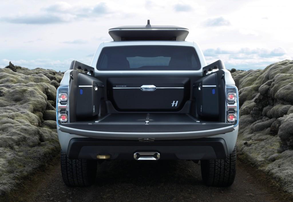 Renault Alaskan load and towing
