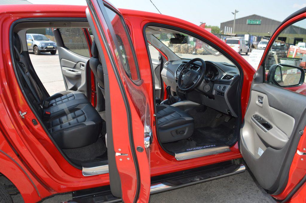 Mitsubishi L200 cab
