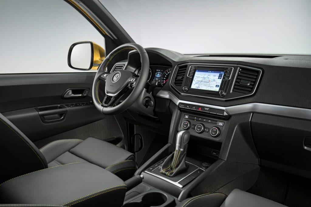 Volkswagen Amarok Aventura Exclusive interior