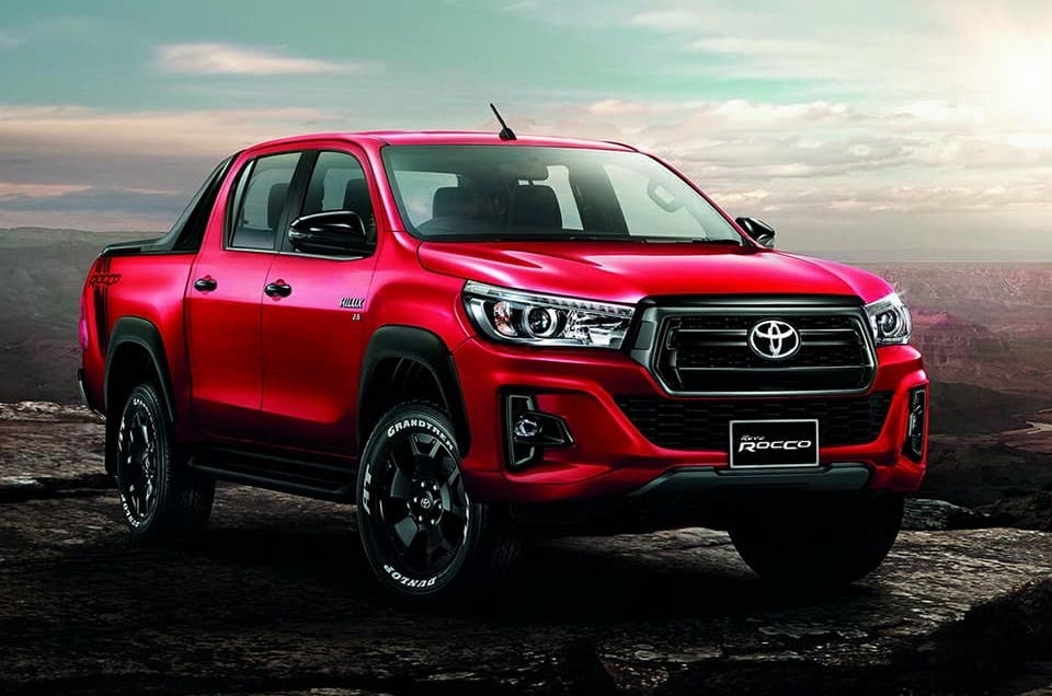 toyota hilux invincible x facelift 2018 professional pickup magazine. Black Bedroom Furniture Sets. Home Design Ideas