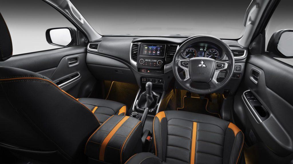 Mitsubishi L200 Barbarian SVP II interior