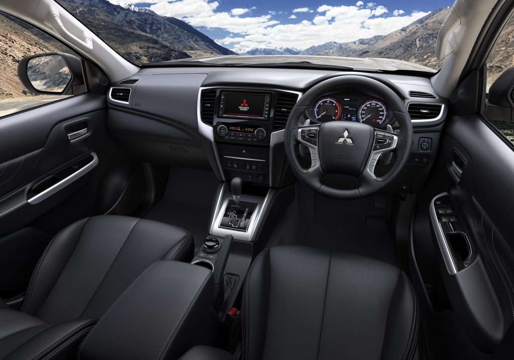Mitsubishi L200 2019 interior