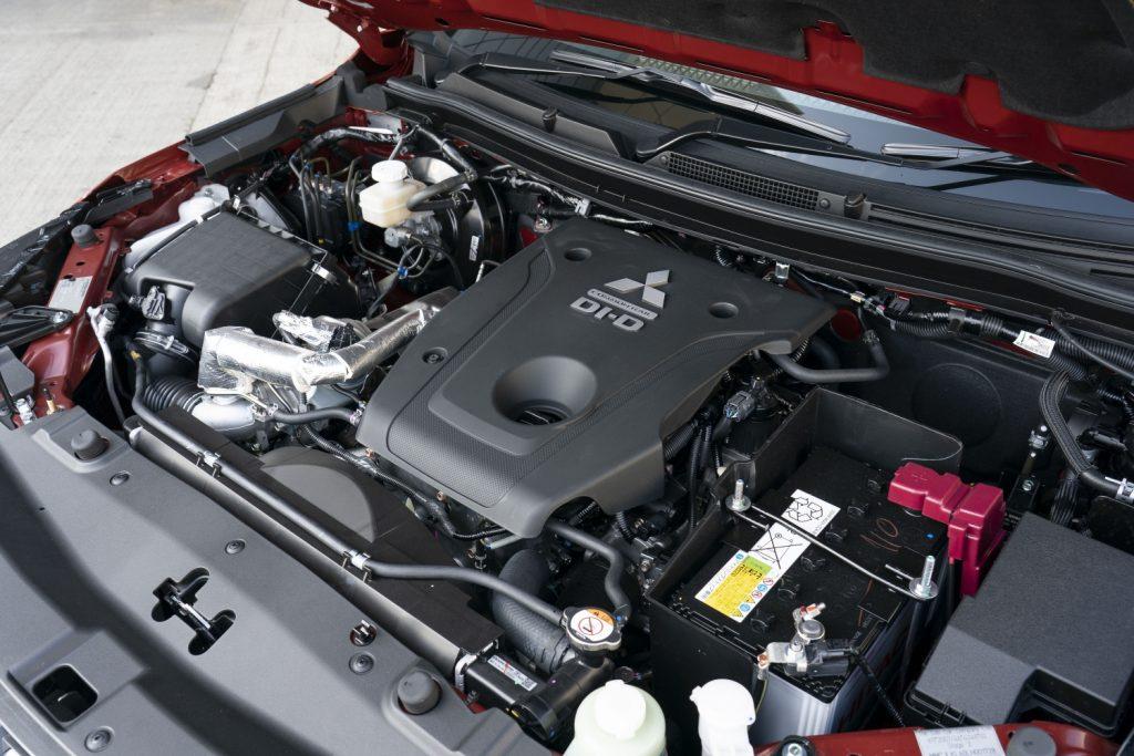 Mitsubishi L200 engine