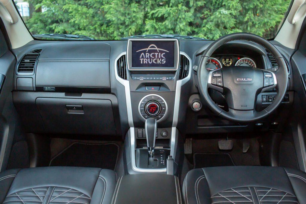 Isuzu D-Max AT35 interior