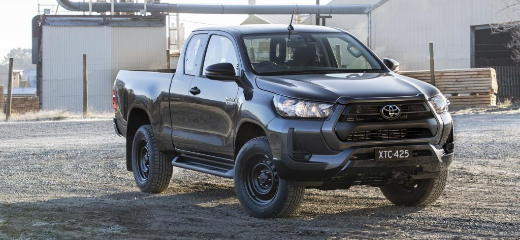 Hilux extra cab joins the Rugged X in Australia