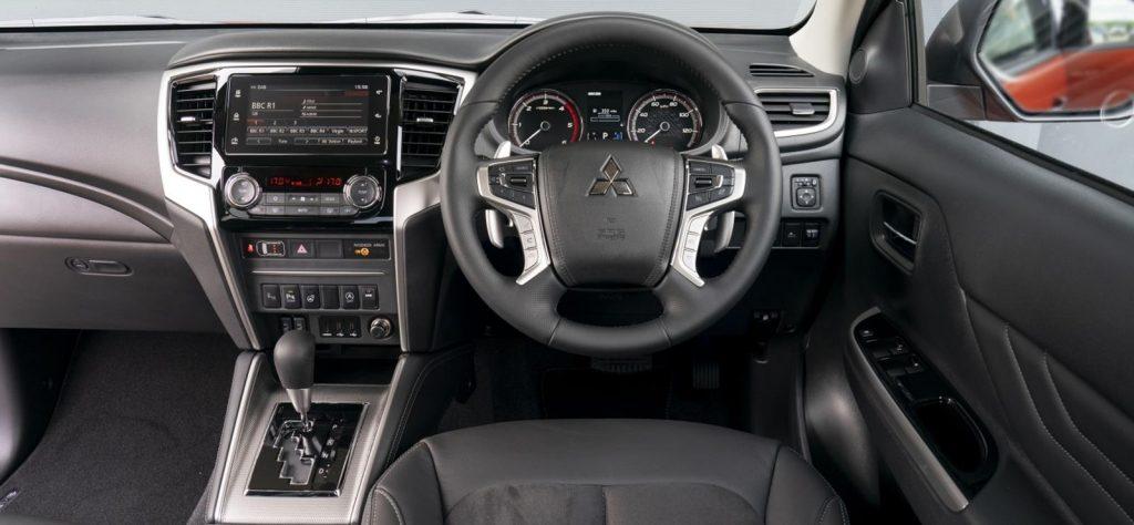 Mitsubishi L200 Barbarian Plus interior