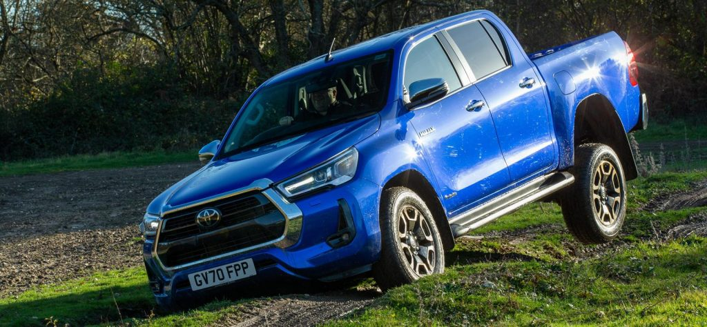 Axle twists in the new Toyota Hilux
